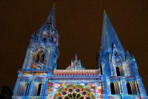 10315771276_7459d20ef9_z – Beleuchtete Kathedrale von Chartres