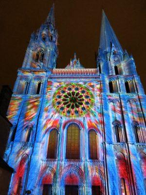 Beleuchtete Kathedrale von Chartres